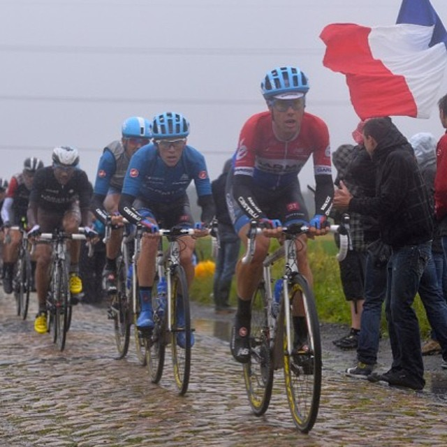 Sabastian Langeveld leading @rideargyle over the Cobbles