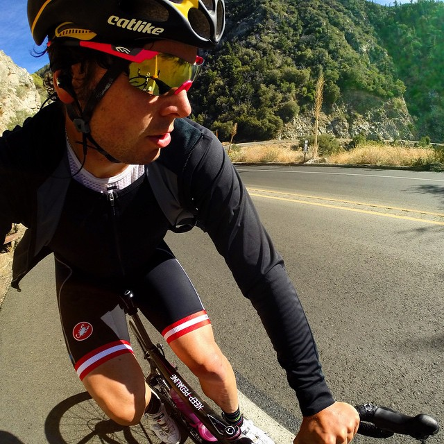 @localsarepainting is loving our new Alpha Jersey in SoCal today where the temps can swing 30 degrees when climbing up to Big Bear.